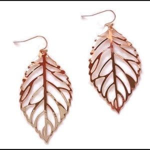 🎉HPX3🎉🆕Rose gold boho leaf earrings